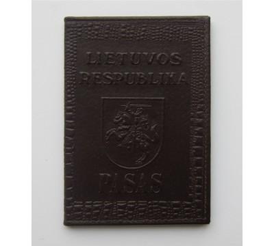 """Rankų darbo lietuviškas paso dėklas """"LT-d.brown"""""""